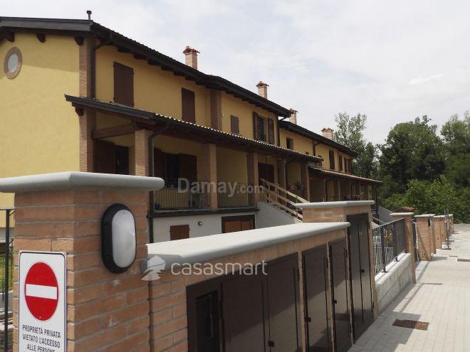Felino Casa-Villa