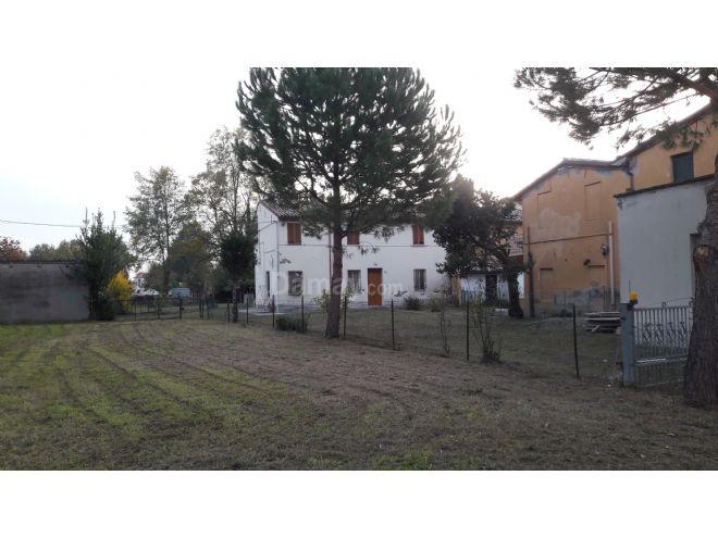 Vendita di Casa-Villa in Pievequinta - Immobiliaregatti.it